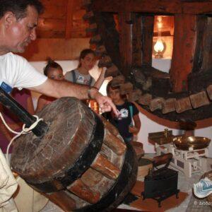 Ο ανεμόμυλος του Άγουρου είναι επισκέψιμος χώρος από το 2010 κατά τη διάρκεια του φεστιβάλ «Διαδρομές στη Μάρπησσα».