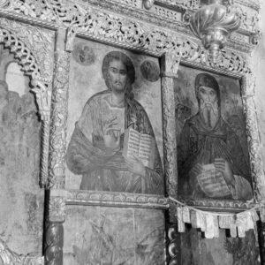 Οι ιερές εικόνες από το τέμπλο του Αγίου Αντωνίου.