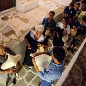 H τζαμπούνα και το τουμπί ήταν αυτά που συνόδευαν κάθε μεγάλο, μικρό ή αυτοσχέδιο γλέντι στο καφενείο, στη μάντρα, στο πατητήρι ή στην κατοικιά. Φεστιβάλ Διαδρομές στη Μάρπησσα, 2017.