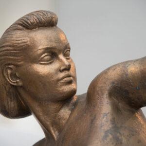 """«Τοξότις» (1937). Χαλκός 1,40μ. Μουσείο Γλυπτικής """"Νίκος Περαντινός"""" στη Μάρπησσα."""